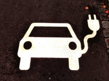 Tu coche eléctrico puede pagarte la factura de la luz (si no vives en España)