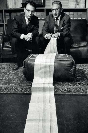 Manfred Clynes y Nathan S.Kline, padres del término 'cyborg' en 1960.
