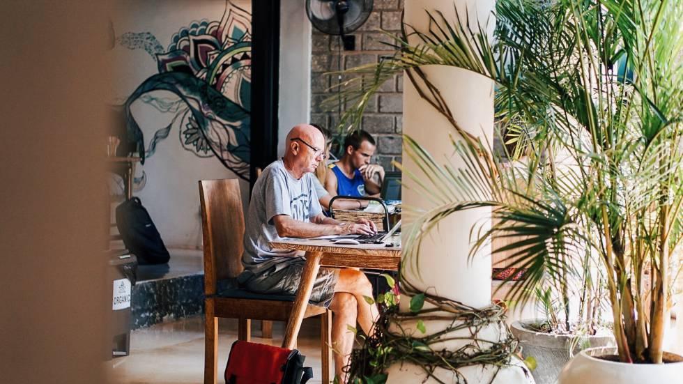 ¿A quién no le gustaría que su oficina se pareciera a esta? Dojo Bali, en Canggu.