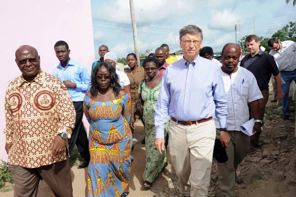 El presidente de Microsoft, Bill Gates, a su llegada al Centro de Salud Ahentia en el distrito Awutu Senya, en el centro de Ghana, el pasado 26 de marzo de 2013.