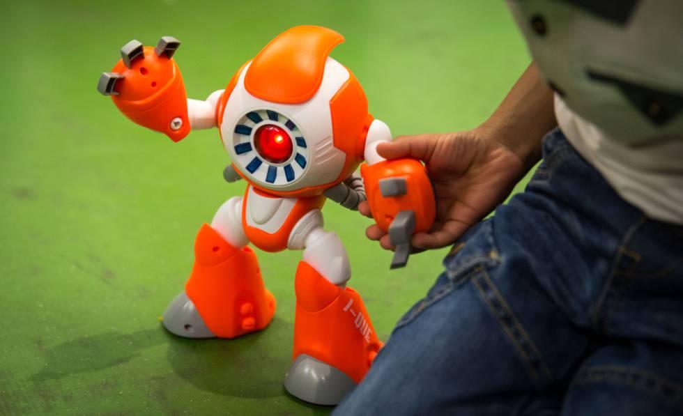 Por qué no deberías comprar un juguete inteligente a tu hijo estas navidades