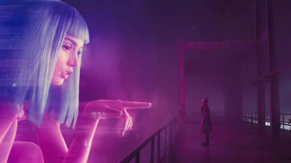 'Blade Runner 2049' ha ayudado a que muchas personas se planteen de una manera más abierta la posibilidad de una relación afectiva entre humanos y seres artificiales.