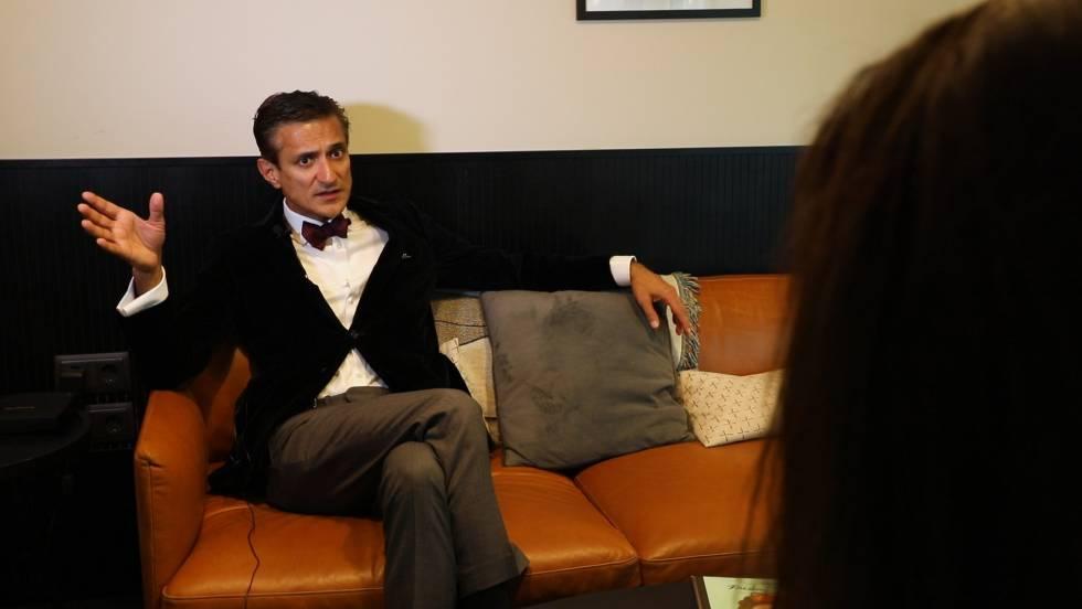 Un instante de la entrevista con el presidente de IPSoft.