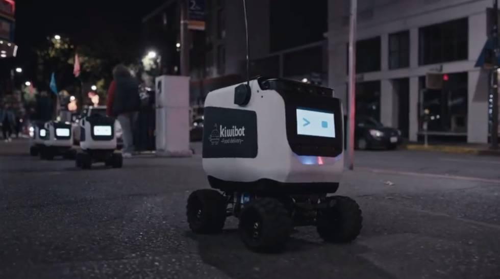 Los robots que te llevan la cena del restaurante a la puerta de casa
