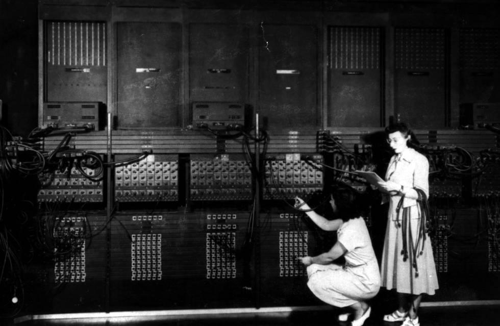 El ordenador ENIAC en la década de los 40