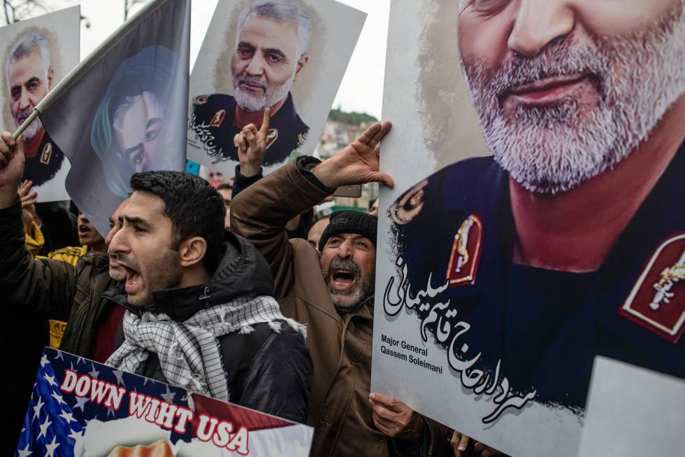 Demonstration in protest of the murder of Qassem Soleimani in front of the US consulate in Istanbul, Turkey, on January 5.